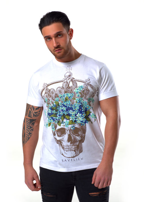 """The Model is wearing a Medium T-Shirt and is 6 ft (183 cm) with a 41"""" Chest ( 102 cm )"""