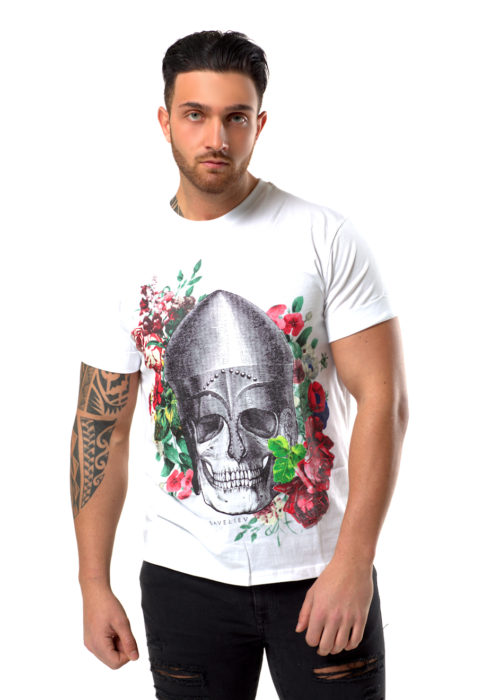 """100% White -Cotton, Round neck T-shirt with short turn-up sleeves.Featuring a front print with a glossy finish.The Model is wearing a Medium T-Shirt and is 6 ft (183 cm) with a 41"""" Chest ( 102 cm )This T-shirtComes in a Limited Edition Presentation Box andFree Delivery"""
